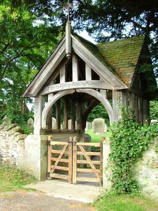 Lych-gate-Ingram-church